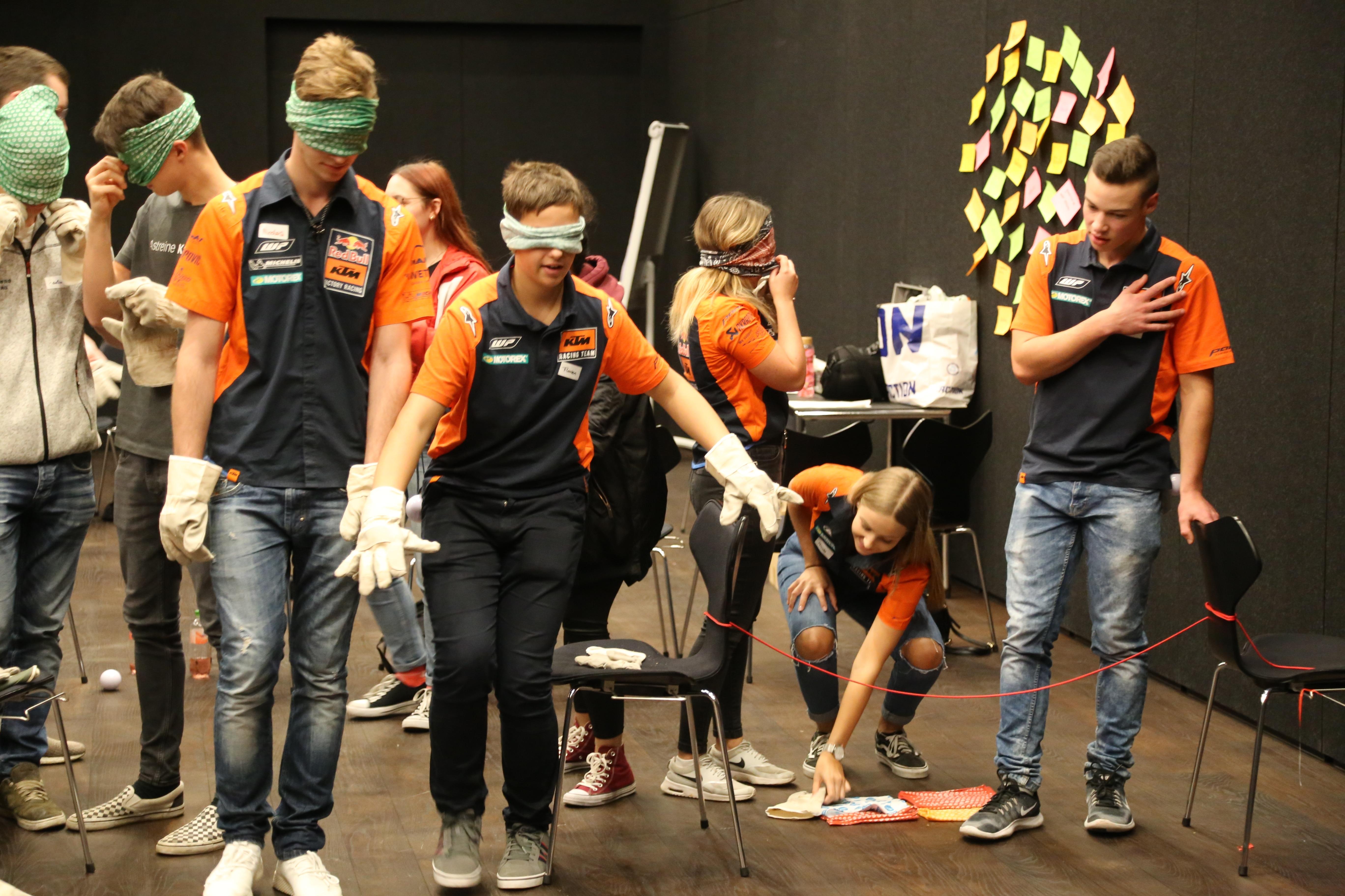 z.l.ö.-Lehrlingstag in der KTM Motohall in Mattighofen war voller Erfolg